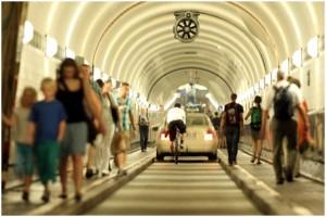 Blick in eine Tunnelröhre